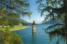 Kirchturm von Graun, Reschensee, Vinschgau, Trentino-Südtirol, Italien