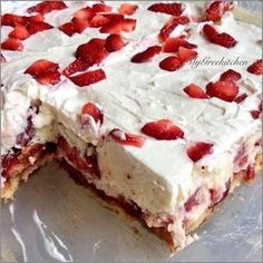 Desserts Recipes: No Bake Strawberry Shortcake Recipe 13 Desserts, Summer Desserts, Delicious Desserts, Dessert Recipes, Yummy Food, Baking Desserts, Strawberry Shortcake Recipes, Strawberry Desserts, Strawberry Juice