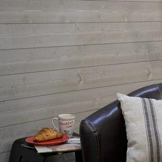 Lambris bois couleur gris béton sur mur salon contemporain