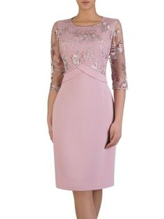 This Pin was discovered by Ale - Mode Frauen Mother Of Bride Outfits, Mother Of Groom Dresses, Mothers Dresses, Elegant Dresses, Beautiful Dresses, Formal Dresses, Dress Skirt, Lace Dress, Peplum Dress