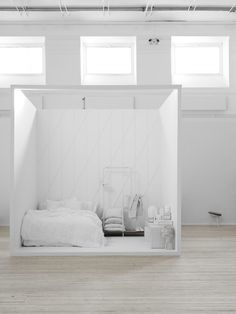 Lotta Agaton of Swedish interiors magazine Residence has curated a selection of products by Note Design Studio as part of styled scenes for an exhibition Note Design Studio, Notes Design, Set Design, Stage Design, Interior Design Blogs, Interior Stylist, Interior Colors, Swedish Design, Scandinavian Design