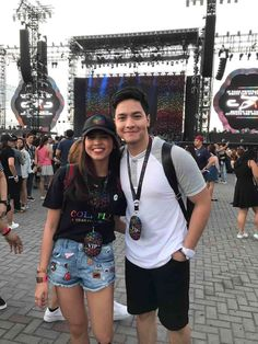 Alden Richards and Maine Mendoza at #ColdplayManila. April 4, 2017.