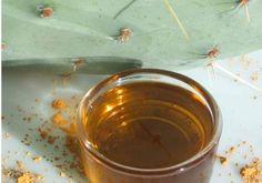 """→ Contour des yeux """"Or Noir """" ←  •1.4 g/1.5 ml Huile végétale Figue de Barbarie  •1.4 g/1.5 ml Huile végétale Rose musquée •4.1 g/4.5 ml Huile végétale Avocat  •6.8 g/7.4 ml Macérât huileux Calendula  • 1 goutte Anti-oxydant Vitamine E"""