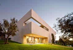 In modern project in Portugal / Un nuovo progetto in Portogalll