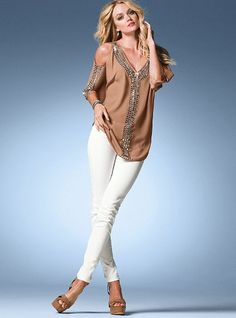 White jeans with a pair of neutral colored wedges make a great outfit for a lunch date with the girls.