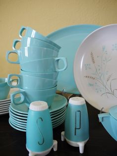 Atomic Age Retro Turquoise Mallo Ware Melmac Dinner Set for 8. My grandma had a set just like this! :-)