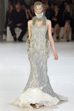Sfilata Alexander McQueen Parigi - Collezioni Primavera Estate 2012 - Vogue