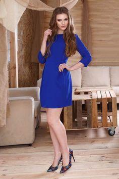 Rochie office albastra Donna:rochia, din toate timpurile, este emblema feminității și a eleganței, pune în valoare toate calitățile femeii.