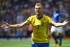 Sweden's midfielder Sebastian Larsson gestures during the Euro 2016 group E football match between Italy and Sweden at the Stadium Municipal in Toulouse on June 17, 2016.  / AFP / PASCAL GUYOT #Seb