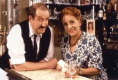 Gorden Kaye, Star Of Sitcom 'Allo 'Allo!, Has Died Aged 75 - War Historical Photos British Comedy Series, British Sitcoms, Great Comedies, Classic Comedies, Are You Being Served, Comedy Show, Comedy Films, Vintage Tv, Vintage Photos