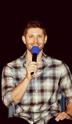 THE WAY JENSEN IS LOOKING AT ME -- YOU -- US THOUGH #DCCon