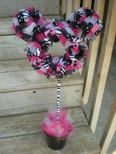 Minnie Mouse Zebra Ribbon Stand Up Wreath. (cute for a little girls birthday party or room decoration)