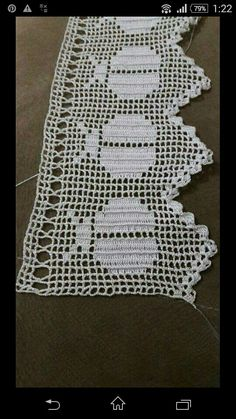 This Pin was discovered by HUZ Filet Crochet Charts, Crochet Stitches, Crochet Patterns, Crochet Trim, Crochet Lace, Free Crochet, Crochet Crafts, Yarn Crafts, Crochet Projects
