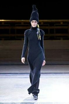 Knit in black