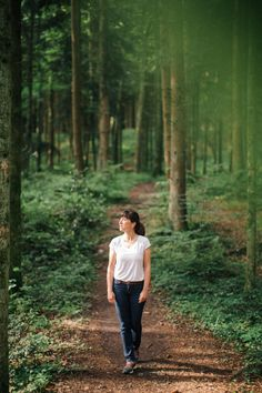 Wald, Waldbaden, Ritual, Natur, Sein, Genuss, Inspiration, Workshop, Draussen, Licht Railroad Tracks, Workshop, Couple Photos, Inspiration, Forests, Nature, Life, Couple Shots, Biblical Inspiration
