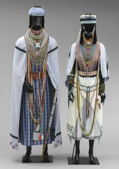 Non-Western Historical Fashion - Mpondo bride's ensemble consisting of 51 pieces . African Fashion Traditional, African Inspired Fashion, African Life, African Culture, Xhosa Attire, Afro Punk Fashion, Human Poses Reference, African Royalty, African Tribes