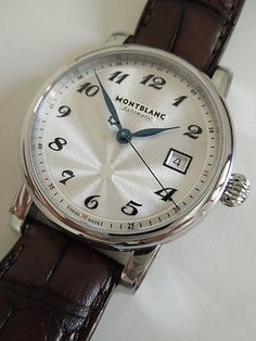 Montblanc - Star Date Automatic 39 mm, argente dial, leather.