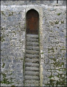 Kilkenny Castle door to the moat