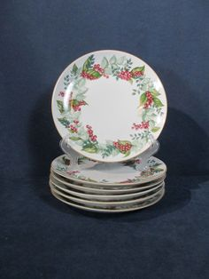 Restoration Hardware Plates Festive Berry Holiday Lunch Bread Vtg 2003 Set of 6 Holiday Tables, Restoration Hardware, Berry, Festive, Decorative Plates, Lunch, Decorations, Tableware, Home Decor