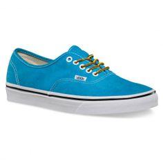 VANS Authentic washed Hawaiian ocean blue chaussures 65,00 € #vans #vansoffthewall #vansotw #vansshoes #vansshoe #shoes #shoe #chaussure #chaussures #vansstore #vansshop #skate #skateboard #skateboarding #streetshop #skateshop @PLAY Skateshop