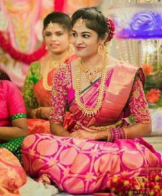 Braid with fresh jasmine flowers. Wedding Saree Blouse Designs, Wedding Silk Saree, Wedding Hijab, Wedding Bride, Wedding Dresses, Hindu Bride, Kerala Bride, Engagement Saree, Indian Bridal Sarees
