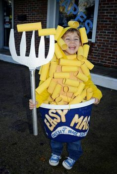 DIY Halloween Costumes for Kids – try them in Family Halloween costumes, DIY ideas for couples, food costumes, Halloween costumes for women, kids. Explore these DIY costumes and Halloween Ideas for Diy Halloween Costumes For Kids, Halloween Costume Contest, Cute Costumes, Halloween Party, Diy Boys Costume, Food Costumes For Kids, Great Costume Ideas, 90s Costume, Zombie Costumes