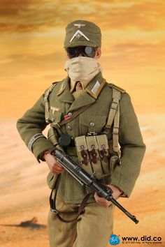 """DiD (Dragon in Dream) will be releasing a scale DAK Afrika WH Korps NCO """"Luca"""" military figure possibly seen during World War II. Ww2 Uniforms, German Uniforms, German Soldiers Ww2, German Army, Afrika Corps, Erwin Rommel, Military Action Figures, Military Special Forces, Military Modelling"""