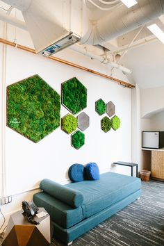 Hex Moss Wall. A brilliant idea to combine the nature to your office! #office #ironageoffice #greenoffice http://www.ironageoffice.com/