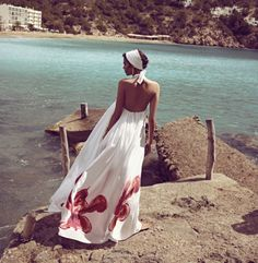 Wish I had this dress when I was living near the Adriatic.