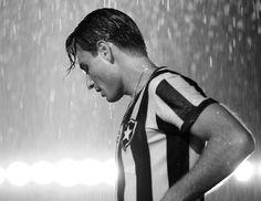 Rodrigo Santoro de Heleno na chuva, nada mais lindo.