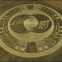 The Truth Behind The Alien Crop Circles Ancient Egyptian Art, Ancient Symbols, Ancient Aliens, Ancient Artifacts, Ancient Greece, Ancient History, Crop Circles 2016, Circle Quotes, Secret Space