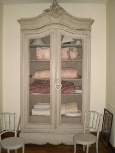 Relooking meuble biblioth que ch ne une cr ation for Grillage a poule pour meuble