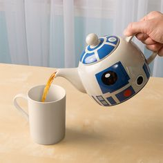 This high quality ceramic tea pot looks just like R2-D2's head! Perfect for afternoon tea or a Jedi tea party.