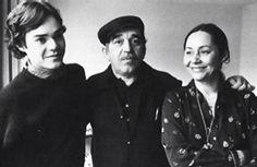 Gabito con su esposa y su hijo