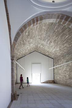 Gallery of Ermita del Santo Sepulcro Rehabilitation / Héctor Fernández Elorza + Manuel Fernández Ramírez - 13