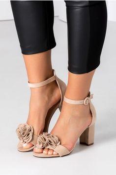 Sandale bej cu floare 3D Shoes, Zapatos, Shoes Outlet, Shoe, Footwear