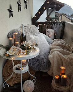 Unique Home Decor Ideas For A New Home Or Redecorating Bohemian Furniture, Bohemian Interior, Modern Bohemian, Unique Home Decor, Diy Home Decor, Hippie Living Room, Ikea Decor, New Year Fireworks, Bohemian Bedding