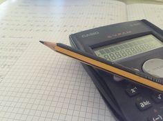 Día 7: La clase de hoy ha sido muy interesante, nos hemos puesto con compañeros que tengan la misma calculadora y Sergio nos ha enseñado poco a poco, como realizar datos de las tablas estadísticas en la calculadora! Me gustó esta clase ya que aprendimos a hacer una tabla en menos tiempo.
