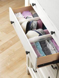 Si tu ropa interior siempre está desordenada y no encuentra solución para acomodarla, ¡tengo 12 soluciones para ti!Aquí podrás encontrar ideas para que SIEMPRE tengas tus prendas ordenadas.Compártelas con tus amigas para que ellas también tengan su dormitorio en orden.1.2.3.4.5.6.Aprende cómo hacer un organizad