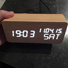 R/éveil num/érique en bois /à LED USB Horloges num/ériques 3 niveaux de luminosit/é r/églable Commande vocale Afficher la date heure Semaine Humidit/é Temp/érature pour la Chambres Bureau Enfants Marron