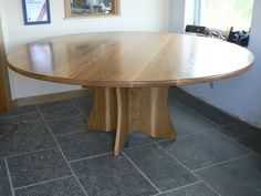 Nice Round Oak Dining Table with Pedestal Base