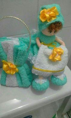 Diy Pom Pom Rug, Clay Flower Pots, Bathroom Crafts, Jean Crafts, Towel Crafts, Diy Gift Box, Crochet Diagram, Diy Home Crafts, Soft Dolls