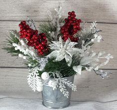 Wooden Christmas Crafts, Dollar Tree Christmas, Christmas Flowers, Christmas Wreaths, Christmas Tables, Red Christmas, Christmas Time, Winter Flower Arrangements, Christmas Arrangements