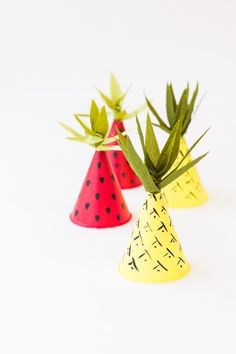 Learn these easy and clever DIY summer party ideas. Browse our best DIY summer ideas to learn easy ways to revamp glassware, floral chandeliers, lawn games, and more! For more DIY ideas go to Domino. Diy Party Hats, Fruit Party, Diy Hat, Tropical Party, Party Time, 31 Party, Elmo Party, Mickey Party, Dinosaur Party