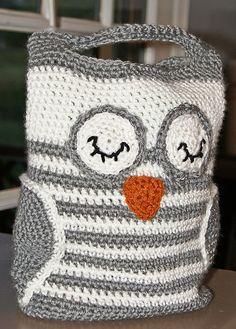 Ravelry: Owl Tote pattern by RAKJpatterns/Kristi Simpson....$3.99