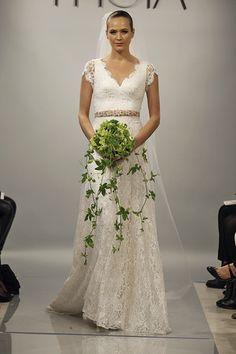 17 Ladylike Lace Wedding Dresses