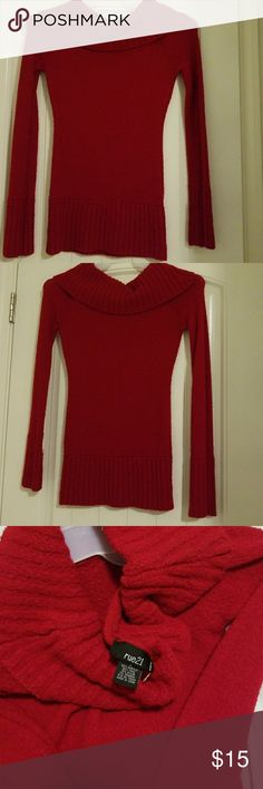 Women's Sweater size S Very good condition ! Great color for Christmas ...so pretty 🎄🎋 Rue21 Sweaters