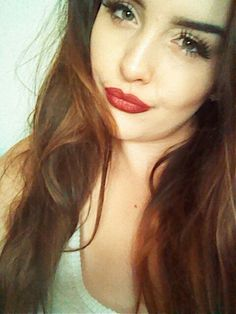 Red lips fake lashes