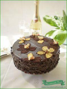 Un tort pentru orice ocazie . Daca urmezi pasii din reteta vei reusi si tu sa pregatesti acest tortulet !