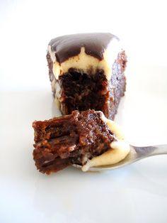 Bolo de Chocolate com Recheio de Manteiga de Amendoim ~ Sabores da Alma